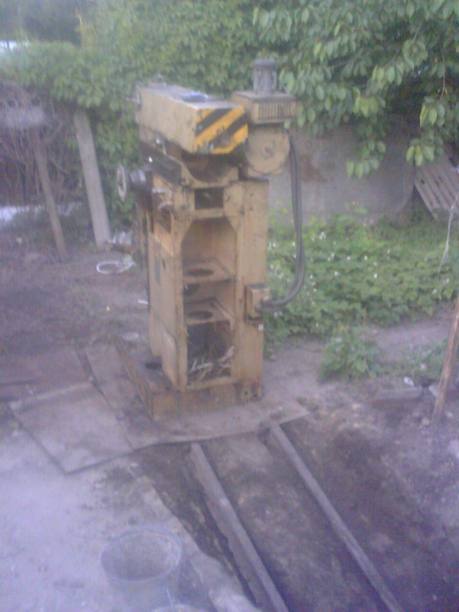 DC100518005.jpg