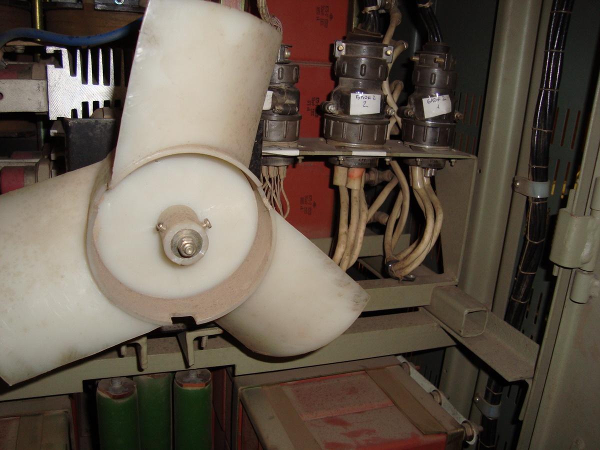 внутренности блока питания лазера Квант-15