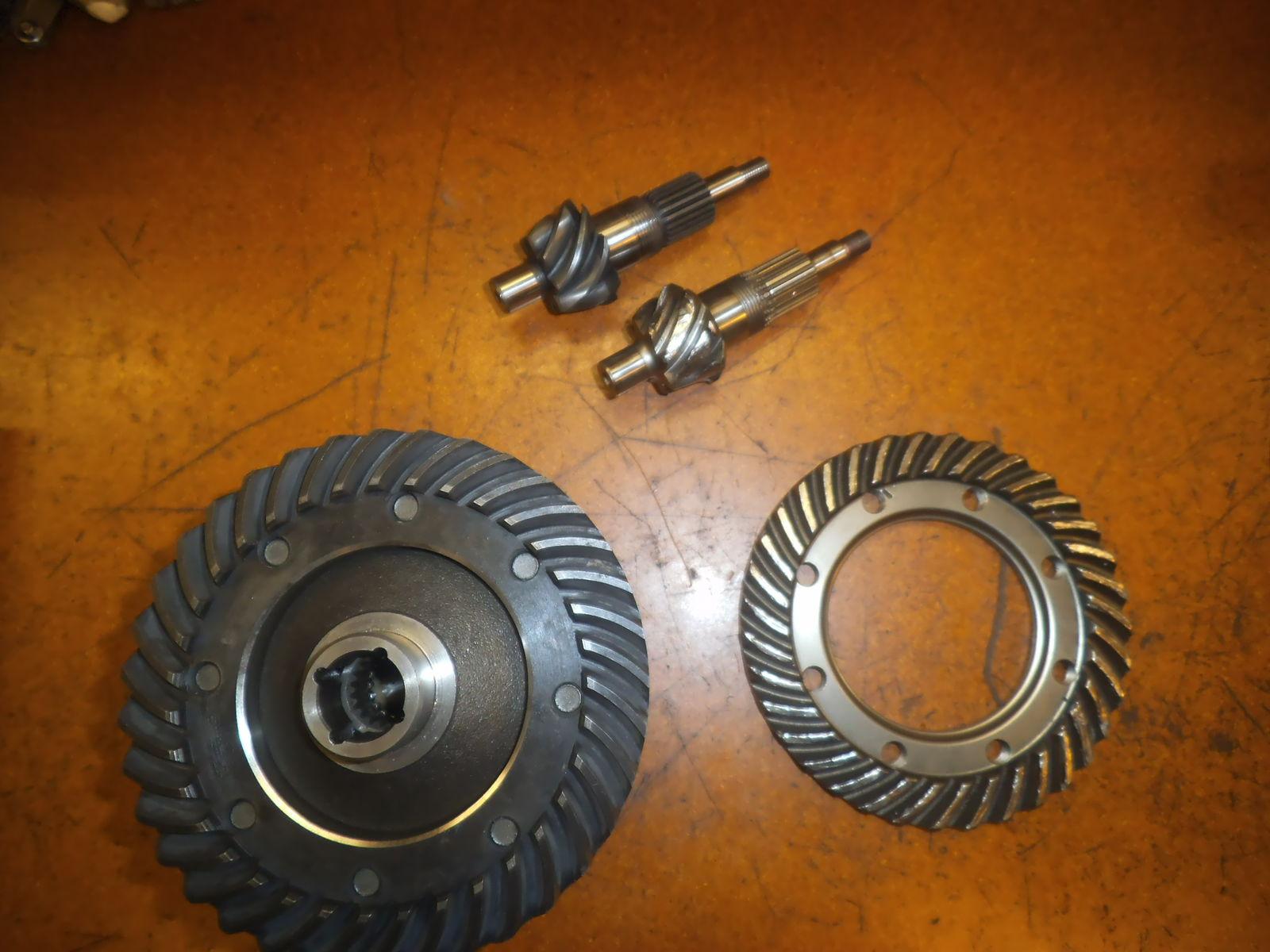 Конические спиральные и гипойдные зубчатые колёса.