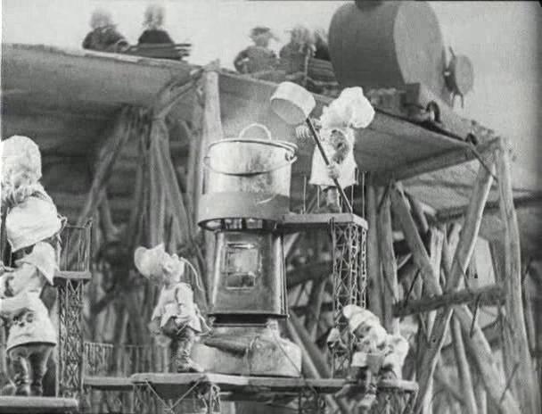"""Кадр из фильма-сказки """"Новый Гулливер"""" 1935г."""