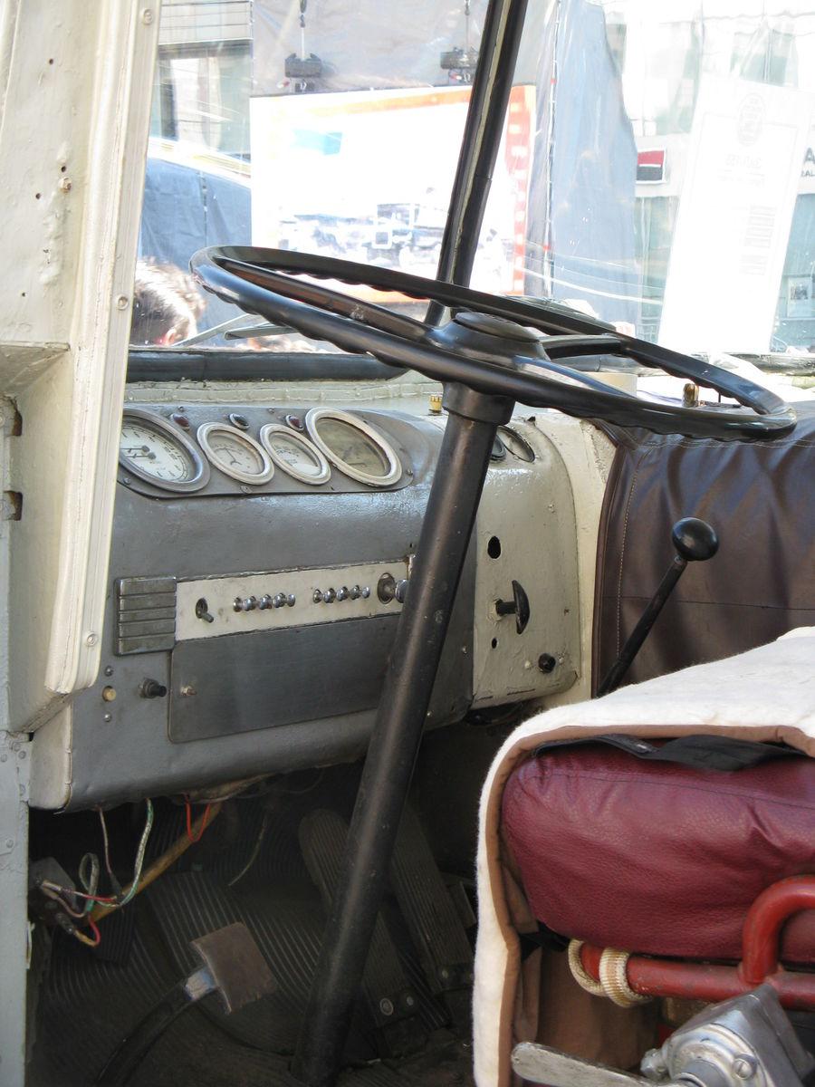 Рабочее место водителя ЗИЛ-158