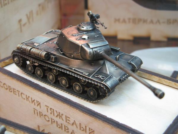 Модель танка ИС-2  из бронзы от Золотая антилопа
