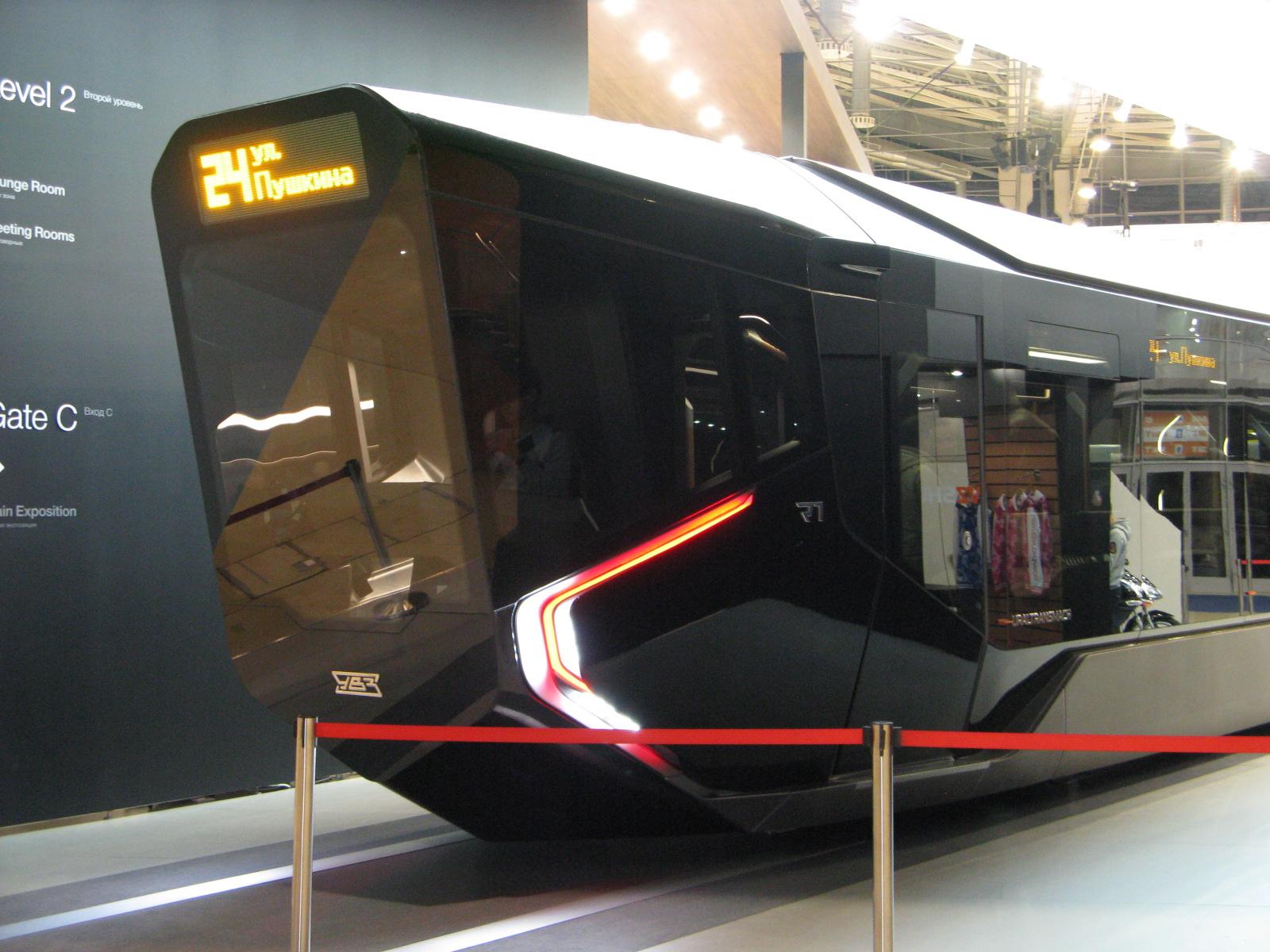 Трамвай 71-410,  он же R1, одна из двух кабин