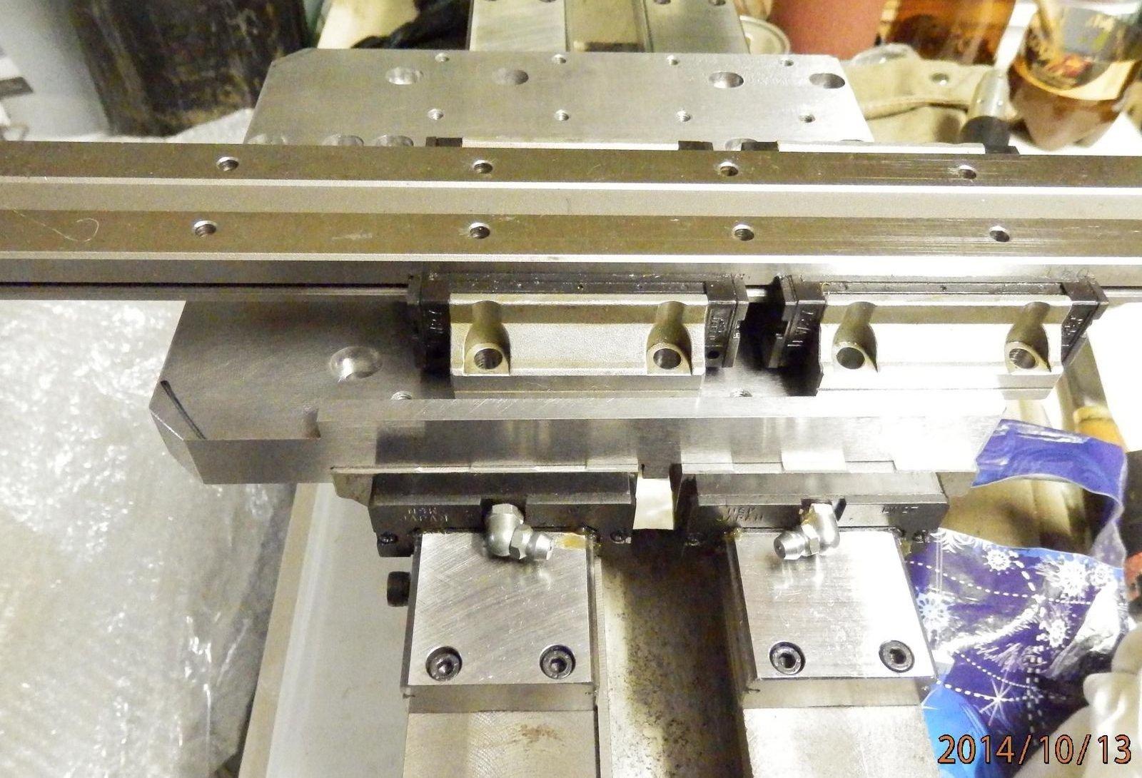 установка поперечных рельс на плиту