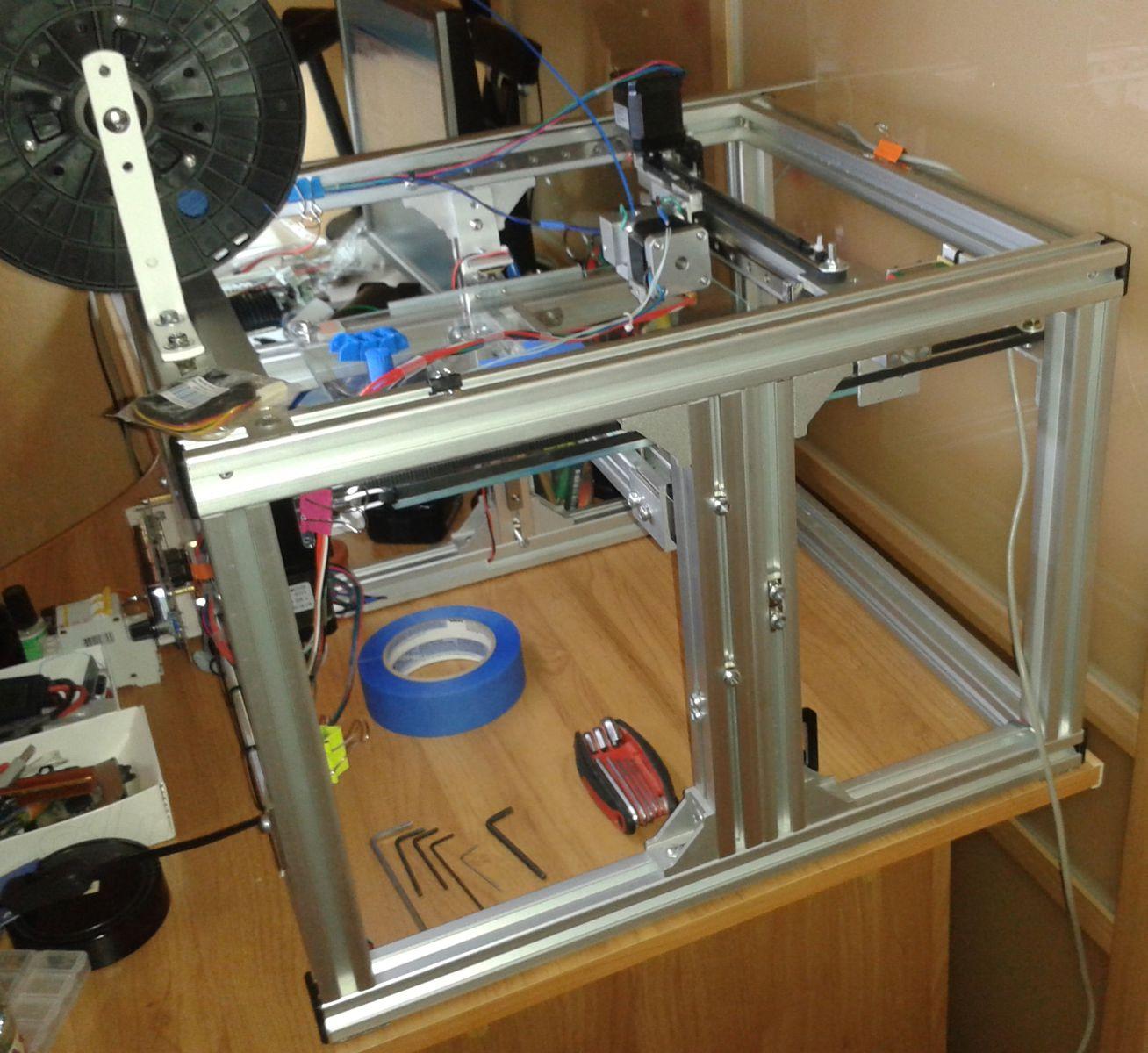 3d принтер из алюминевого профиля 3030 на рельсах mgnr 12 rail