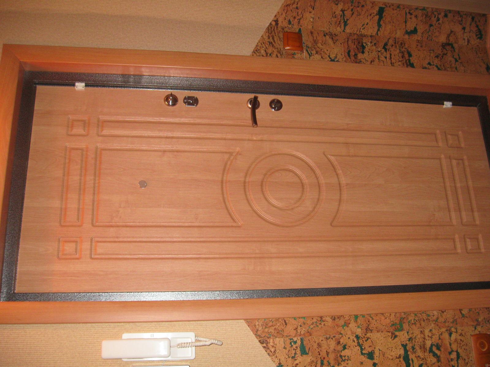 фото двери внутри