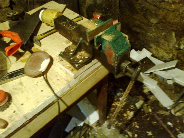 тиски из уголка и двойной тавры