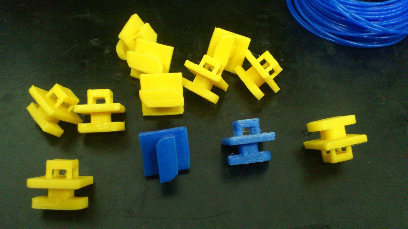 держатели проводов напечатаные