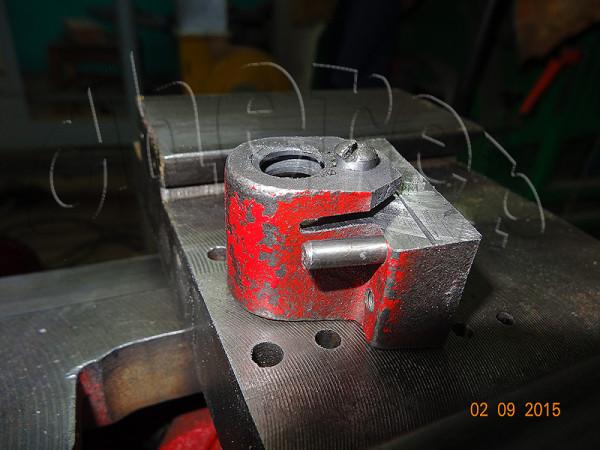 Разрезал гайку для выборки люфта