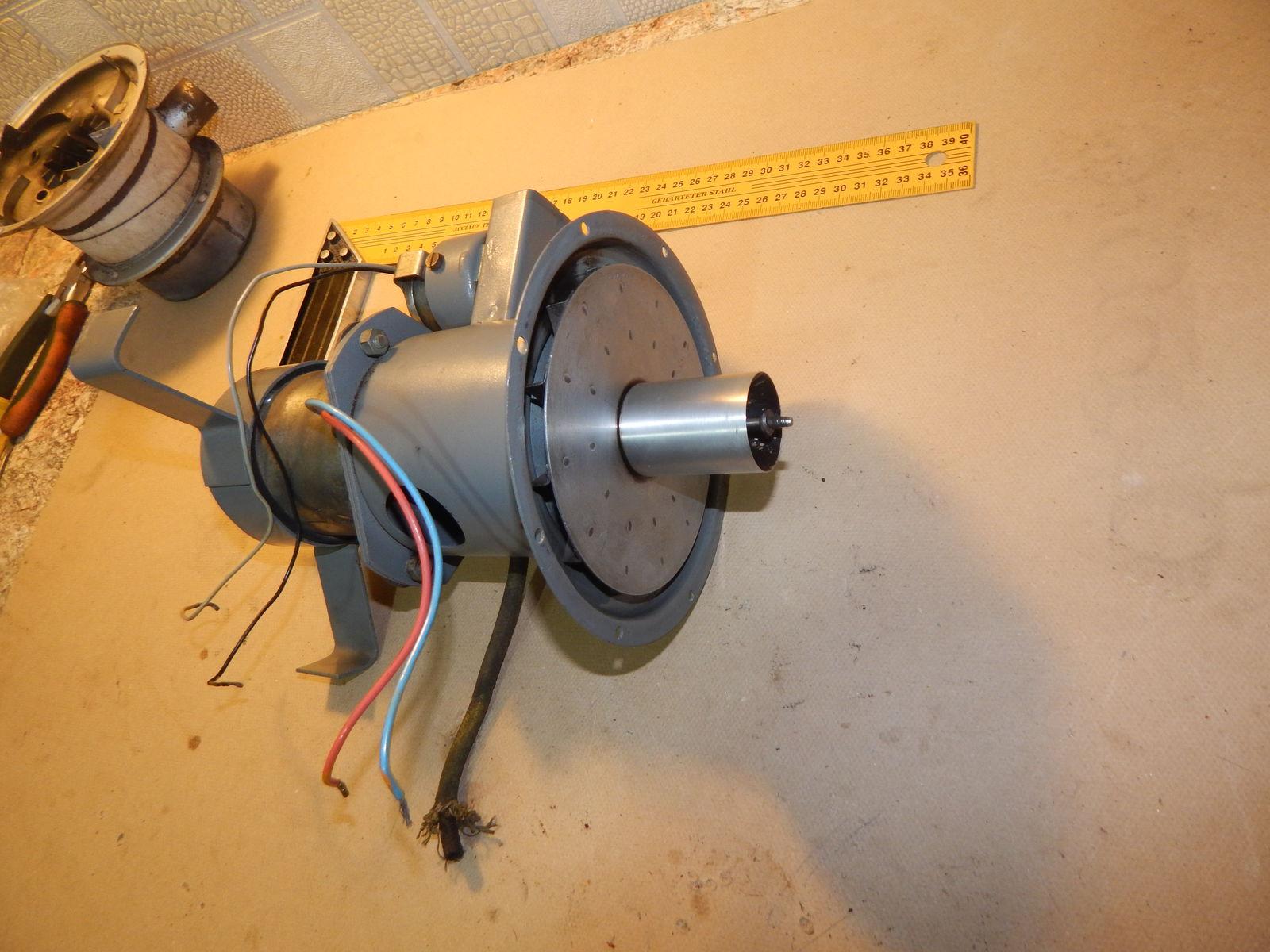Установлена крыльчатка и улез передачи топлива.