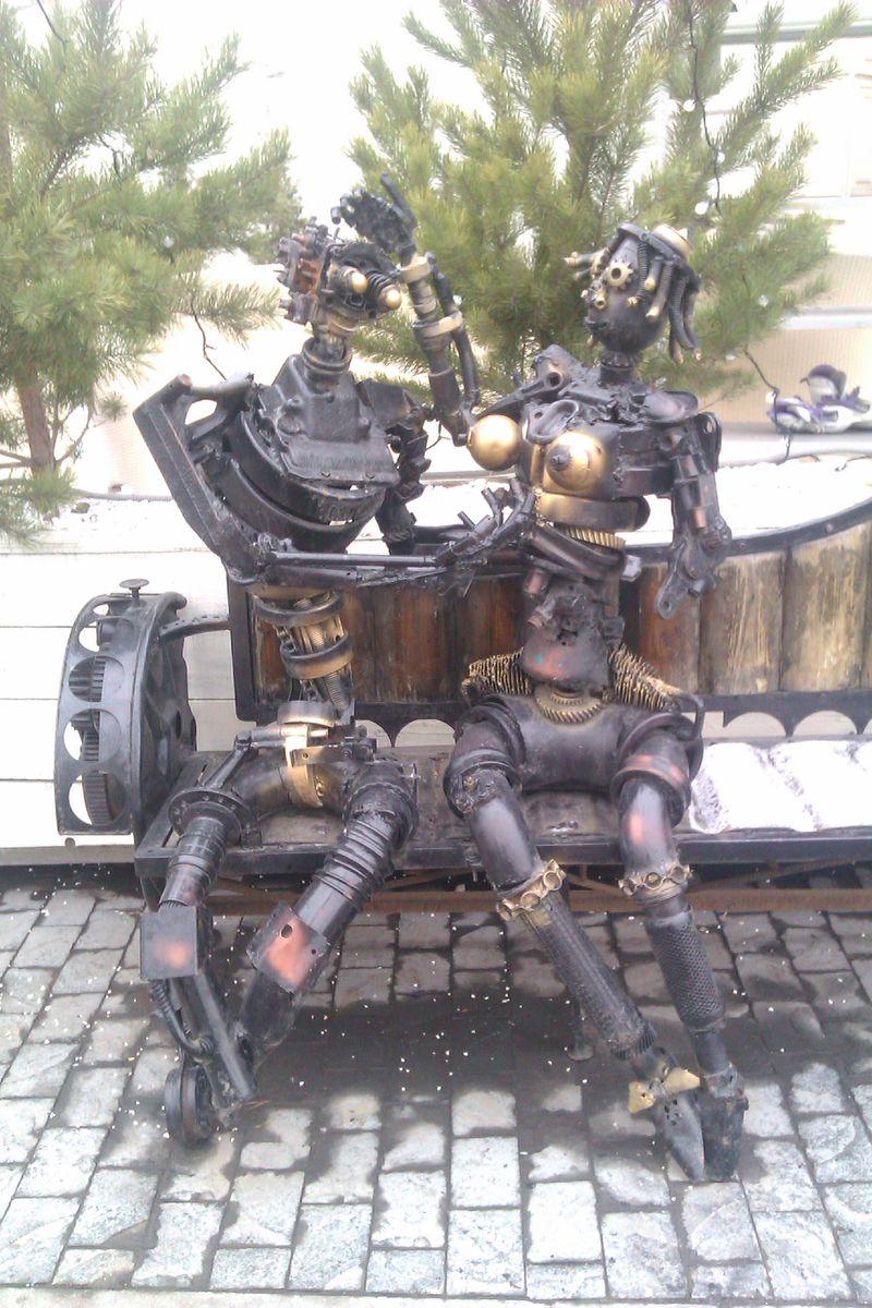 Скульптуры г Москва у метро Павелецкая