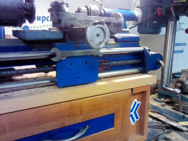 1Д601 Станок настольный токарный универсальный