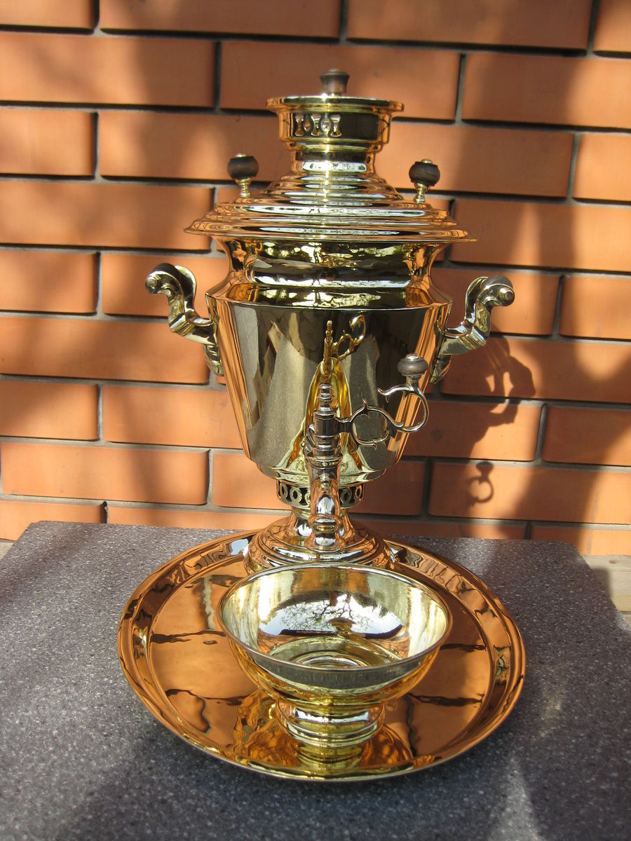 Рюмка наследников В.С.Баташева объем 3 литра.