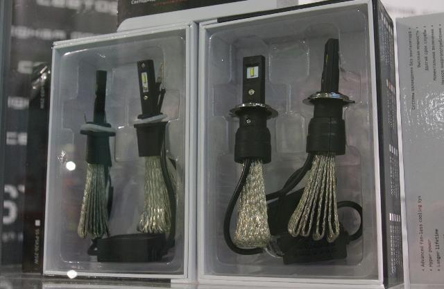Светодиодные фарные лампы с мягкими радиаторами