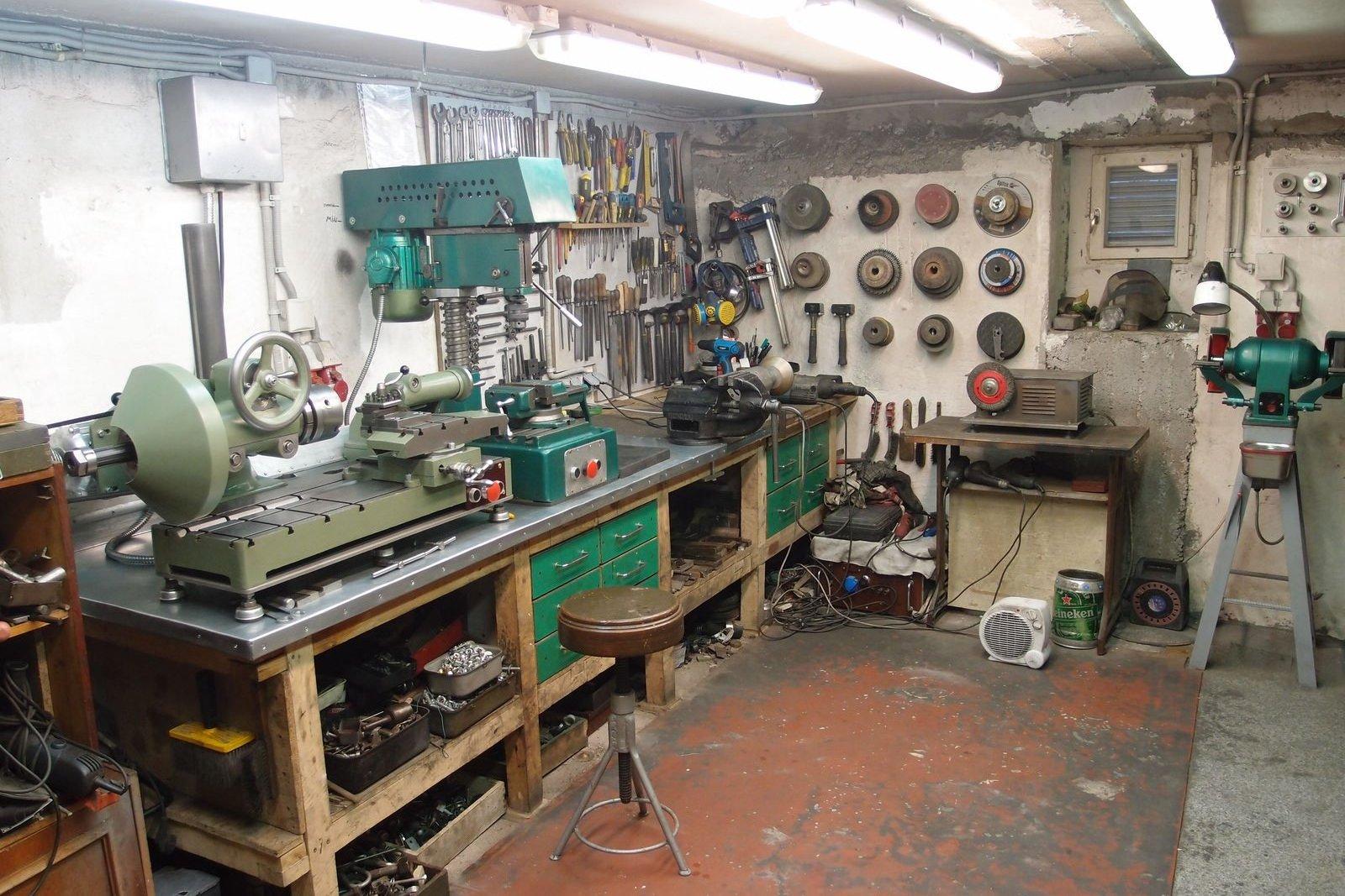 Так выглядит основная часть мастерской сейчас.