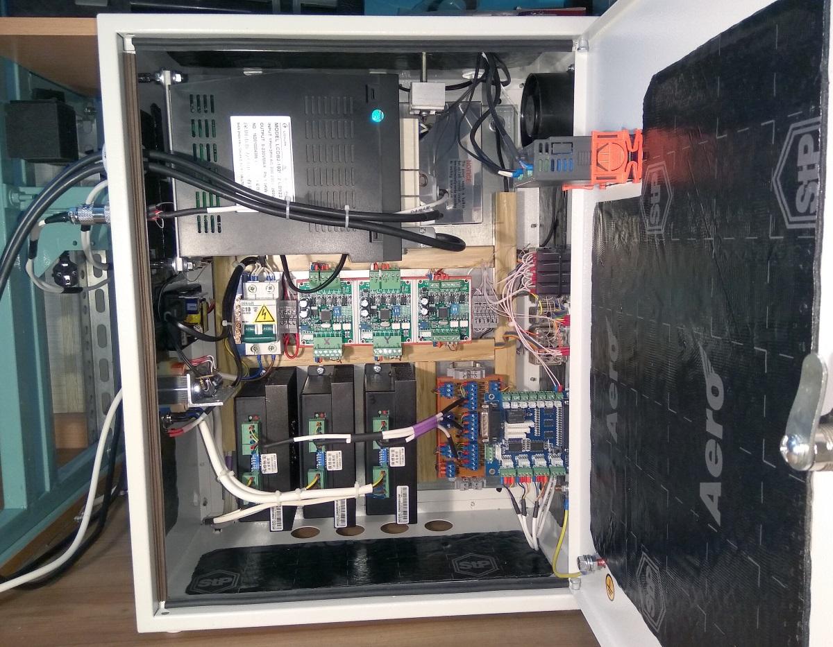 Шкаф под электронику - в сборе