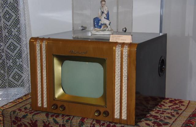 """Телевизор """"Авангард-55"""" 1955г."""