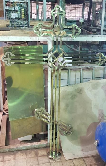 крест после нанесения покрытия нитрида титана.png