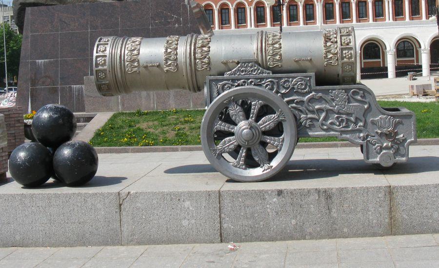 Картинка пушка с ядрами