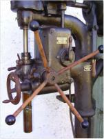 Alte Säulenbohrmaschine_2.jpg