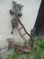 Dachbodenfund, Tischbohrmaschine um 1900+, Patent Regulateur, Händlerschild Nürnberg, Weinrot mit Weißer Linierung_2.JPG