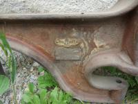 Dachbodenfund, Tischbohrmaschine um 1900+, Patent Regulateur, Händlerschild Nürnberg, Weinrot mit Weißer Linierung,.JPG