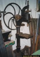 Säulenbohrmaschine antik ca.1890_2.jpg