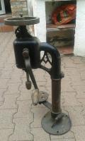 stand-bohrmaschine-foto-bild-102436215.jpg