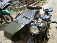 Снегомотоцикл и обычный мотоцикл. И ещё кое что: DSC03027.JPG