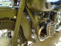 Снегомотоцикл и обычный мотоцикл. И ещё кое что: DSC03025.JPG