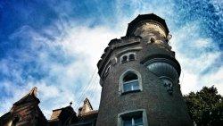 cloud-sky-chateau-tower-castle-landmark-blue-church-spire-steeple-49344.thumb.jpg.f419c5def3ed7961c0c0a4151b425d8a.jpg