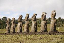 rock-monument-travel-statue-chile-sculpture-ruins-ecosystem-monolith-easter-island-moai-mohais-ancient-history-natural-environment-603328.thumb.jpg.3cf9f48534e71cec8440ddf471bb3b61.jpg